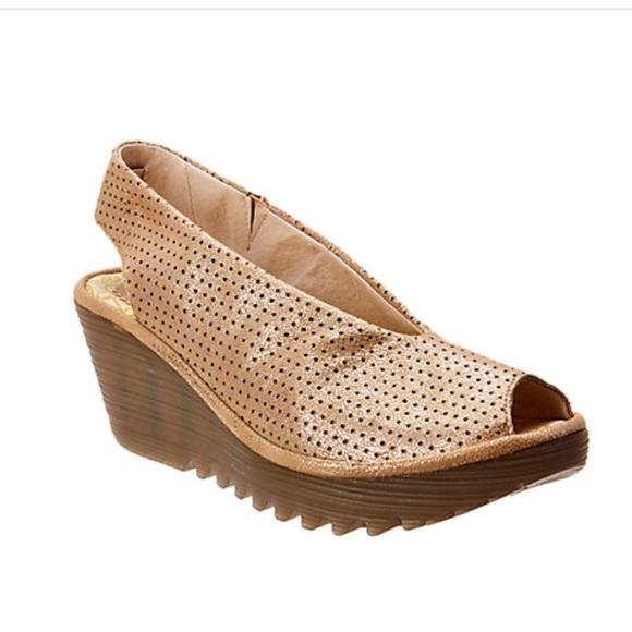 cca631aa65d72 Fly London Shoes - Fly London Yazu Wedge Sandal, NWOB, 9